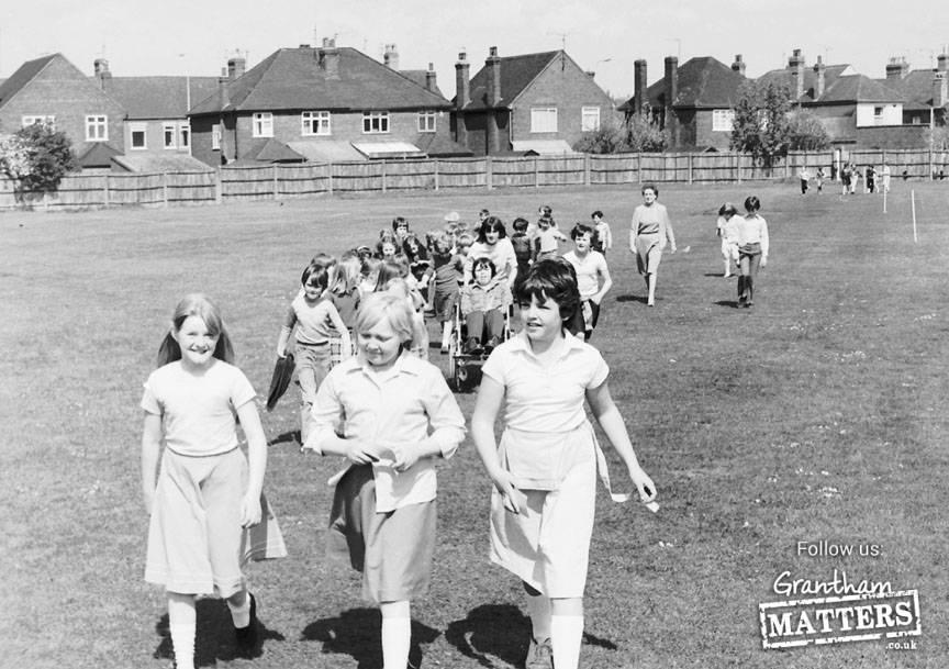 Huntingtower Road School field 1983.