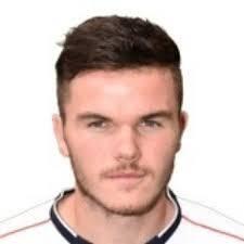 Gingerbreads sign up midfielder